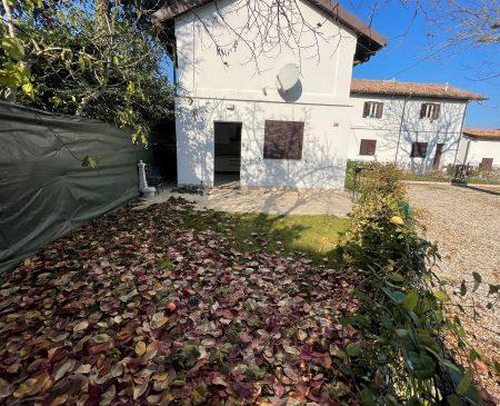 Castenaso vicinanze Bilocale con giardino privato